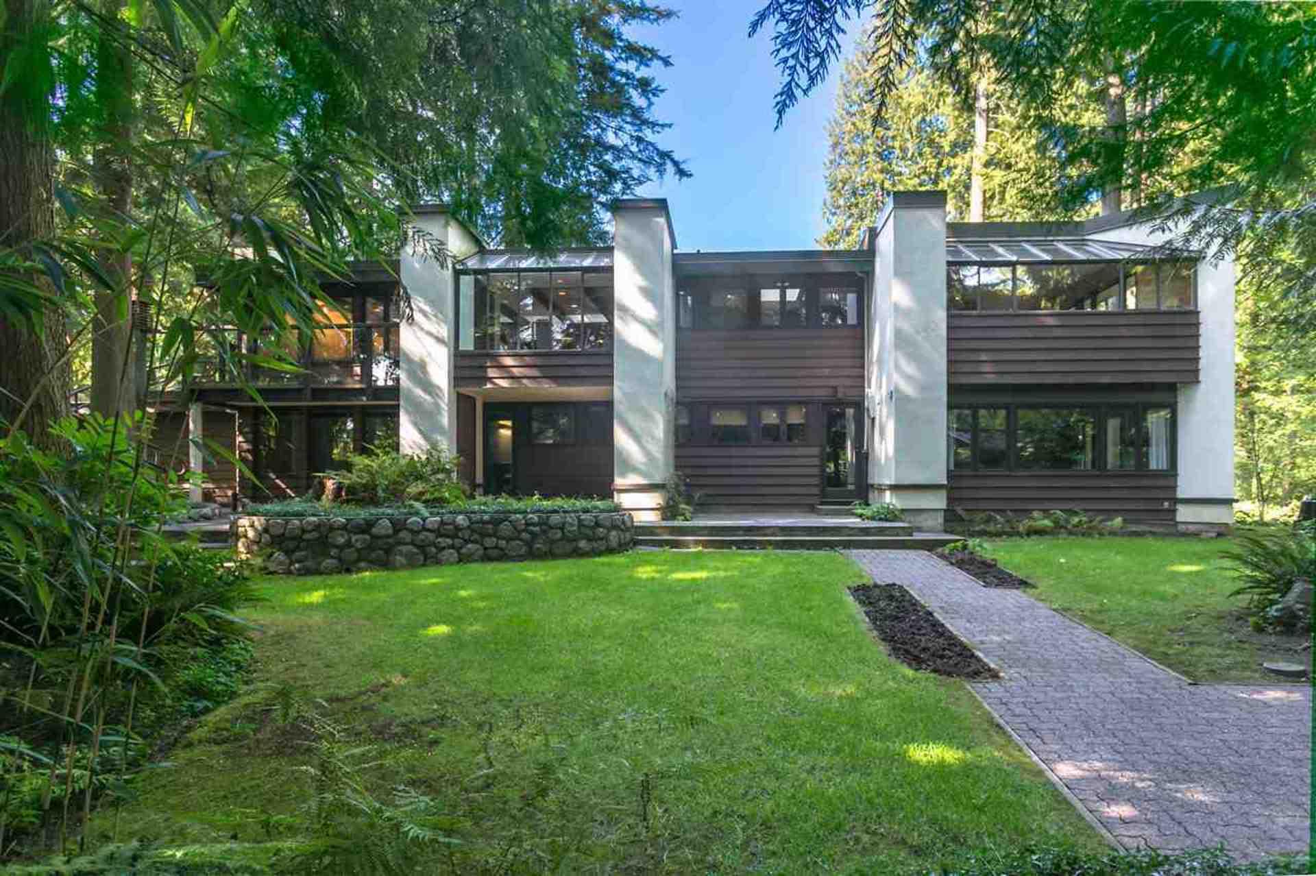 591 Shannon Crescent, Delbrook, North Vancouver 2