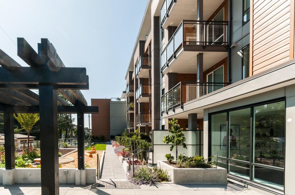 303 - 615 E 3rd Street, Lower Lonsdale, North Vancouver 2