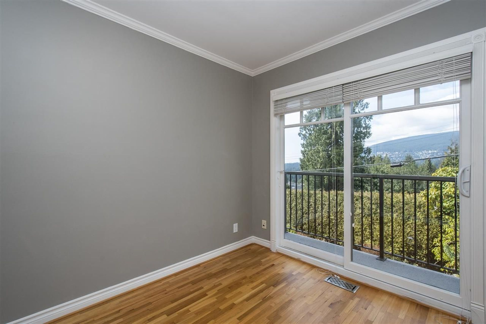 4488-skyline-drive-canyon-heights-nv-north-vancouver-21 at 4488 Skyline Drive, Canyon Heights NV, North Vancouver