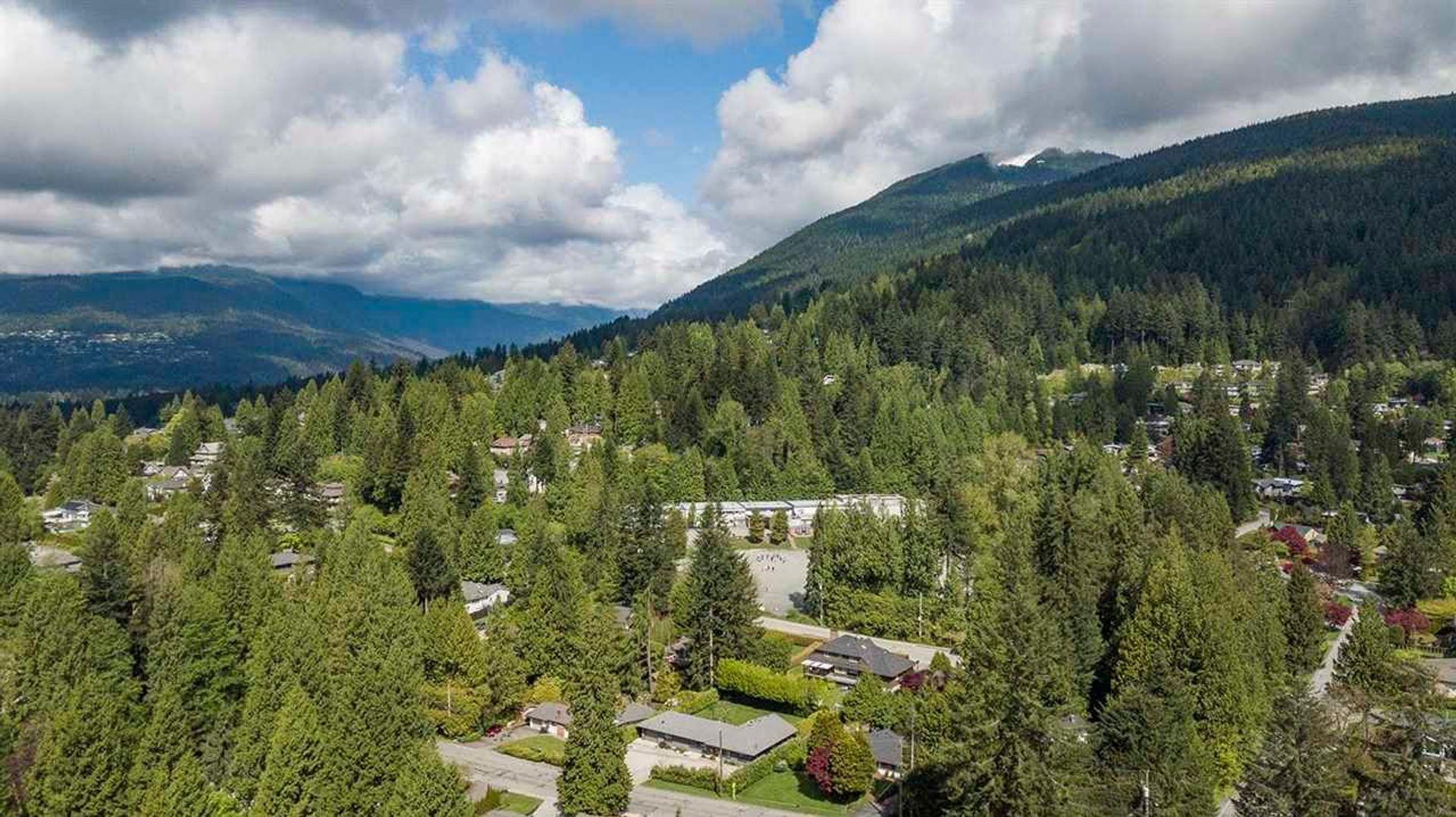 3290-regent-avenue-princess-park-north-vancouver-34 at 3290 Regent Avenue, Princess Park, North Vancouver