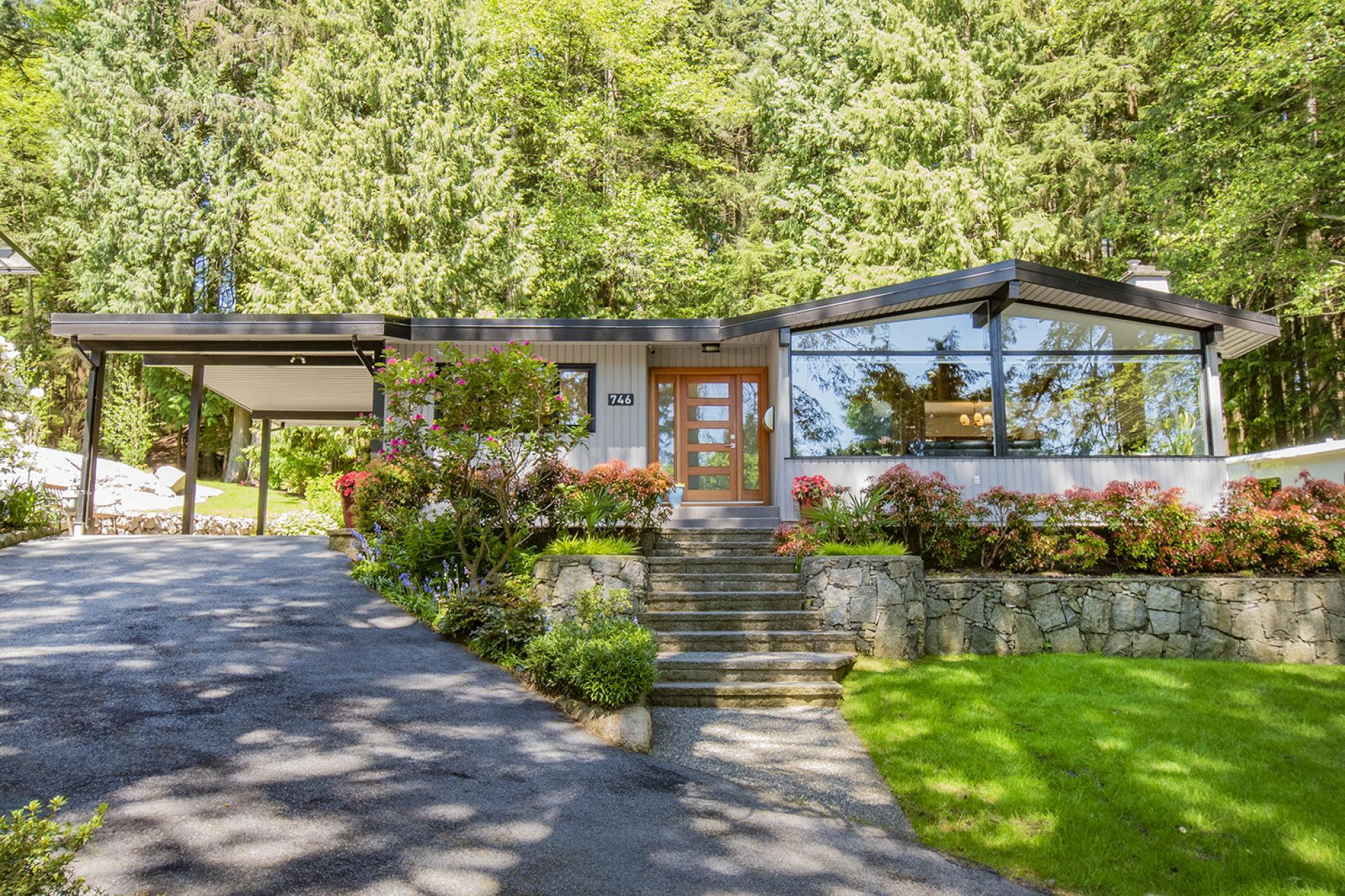 746 E St. James Road, Princess Park, North Vancouver