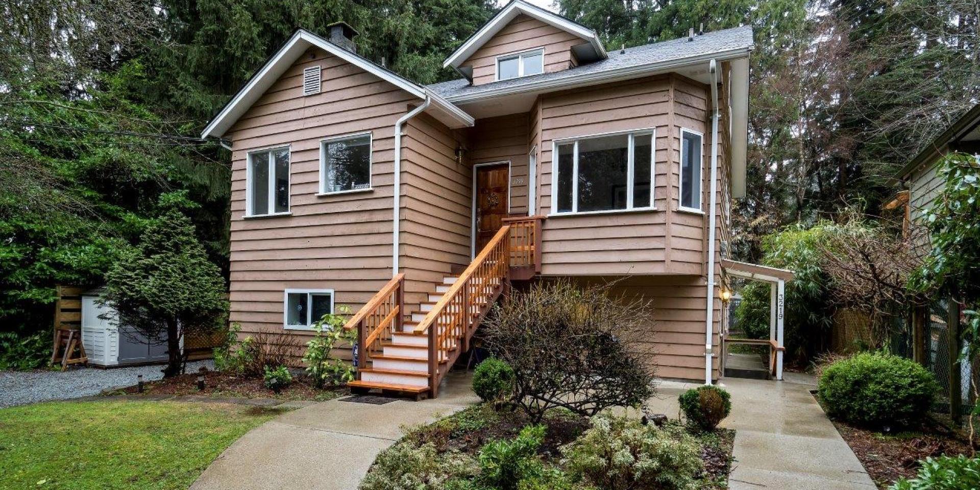 3219 Allan Road, Lynn Valley, North Vancouver