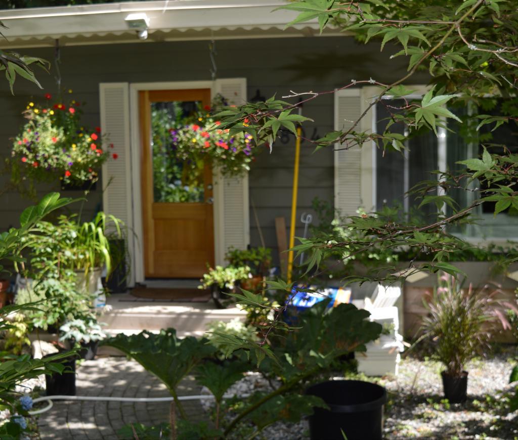 1804 Fell Avenue, Hamilton, North Vancouver 2