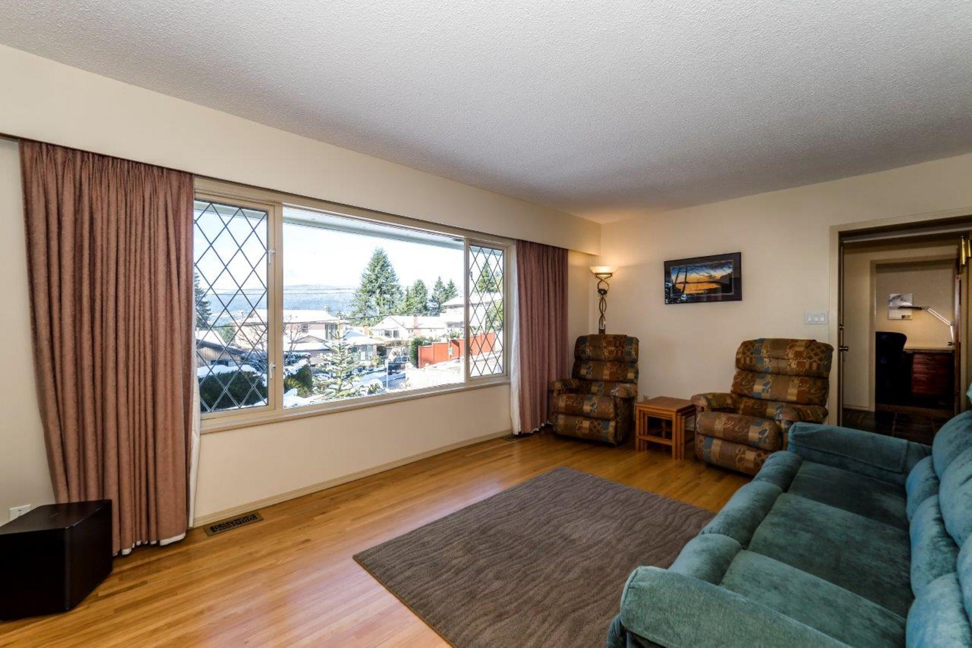 at 3832 Prospect Road, Upper Lonsdale, North Vancouver