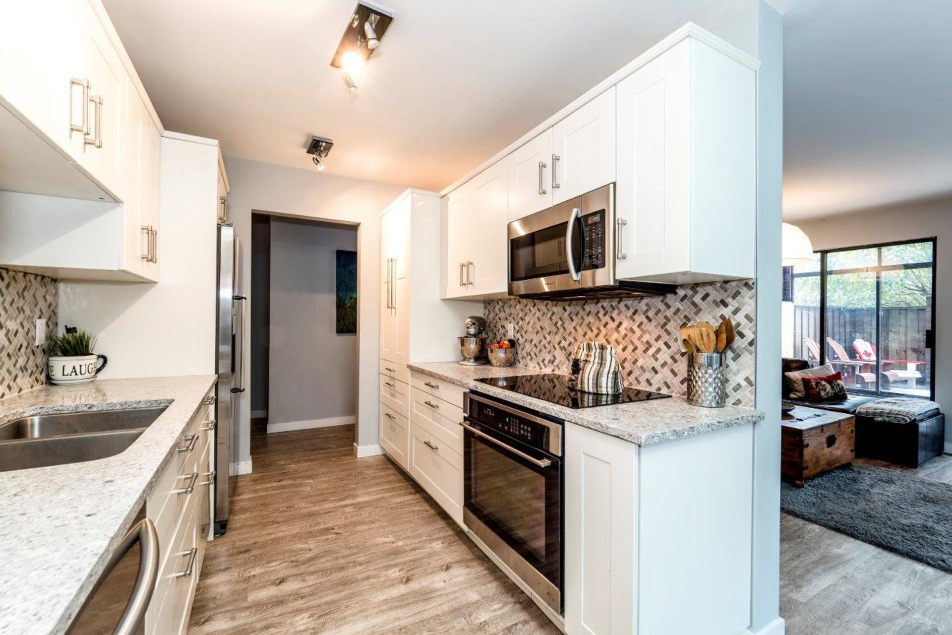 101e29-31 at 104 - 101 East 29th, Upper Lonsdale, North Vancouver