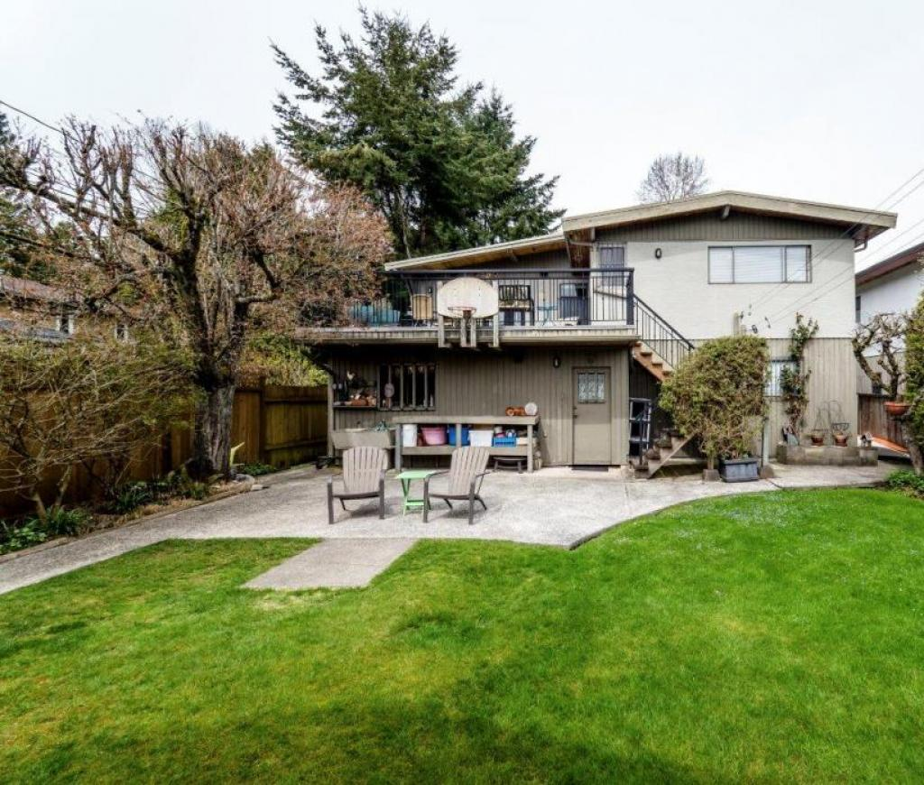 733 E 18th Street, Boulevard, North Vancouver 2