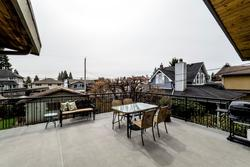 733e18-11 at 733 E 18th Street, Boulevard, North Vancouver