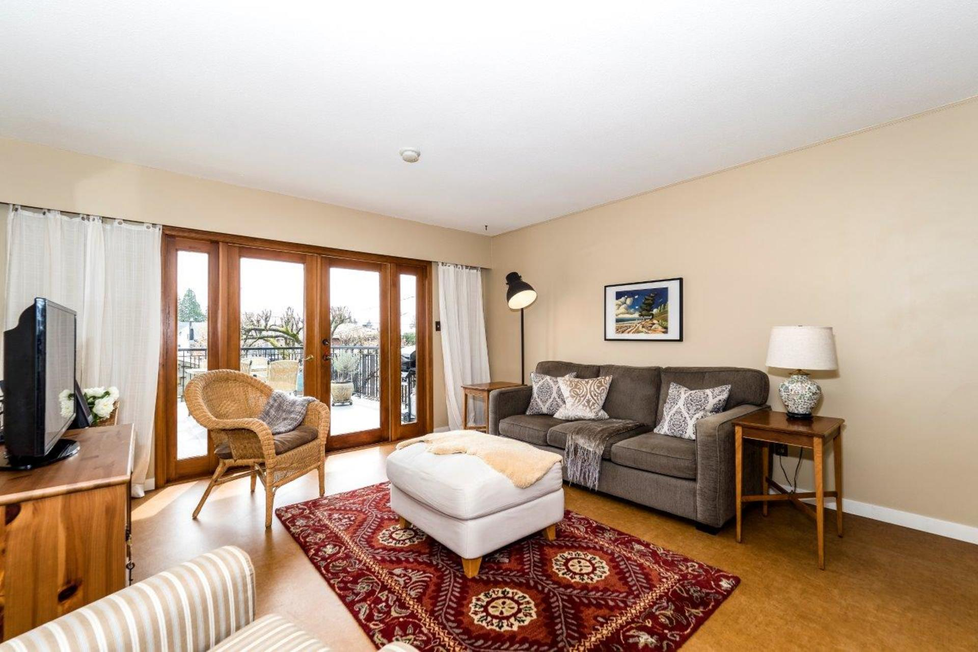 733e18-36 at 733 E 18th Street, Boulevard, North Vancouver