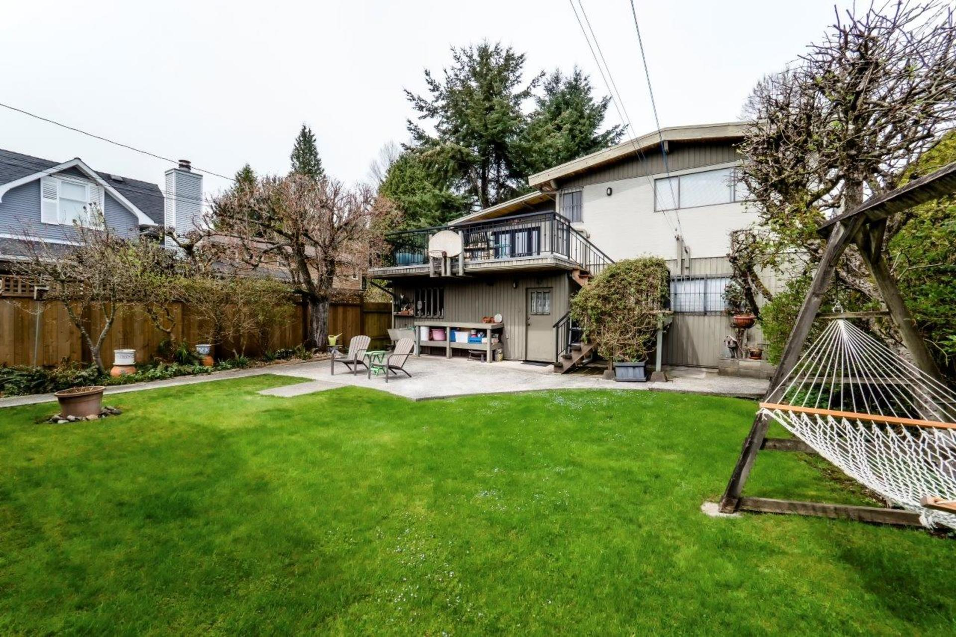 733e18-8 at 733 E 18th Street, Boulevard, North Vancouver