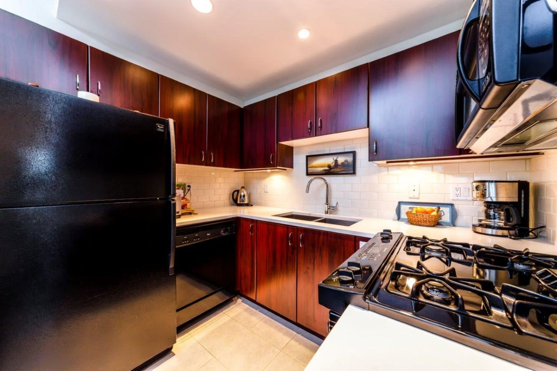 305-120w16-14 at 305 - 120 West 16th, Central Lonsdale, North Vancouver
