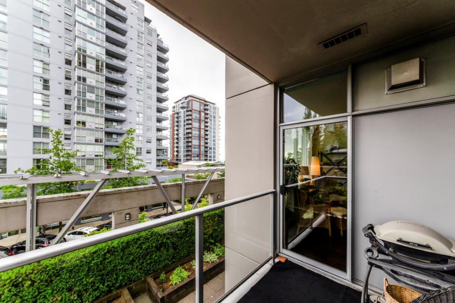 305-120w16-24 at 305 - 120 West 16th, Central Lonsdale, North Vancouver