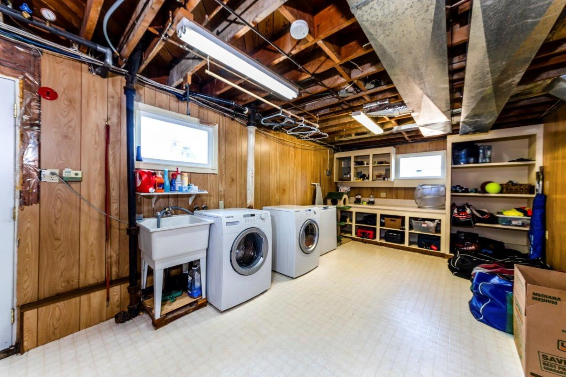 419w26-27 at 419 West 26th Street, Upper Lonsdale, North Vancouver
