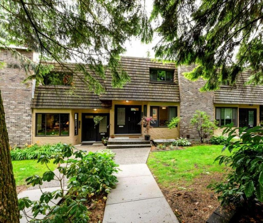1184 Deep Cove Road, North Vancouver 2