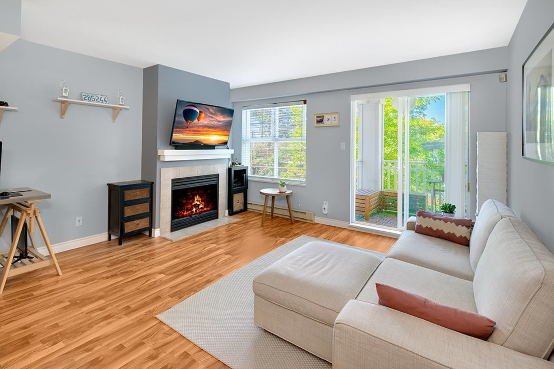 262310922 at 45 - 123 Seventh Street, Uptown NW, New Westminster