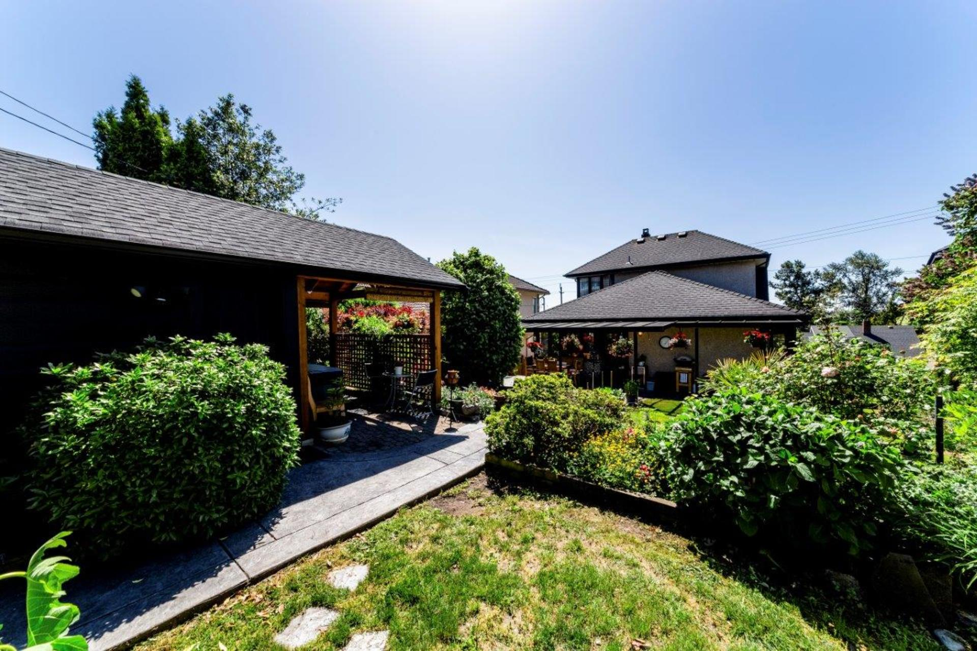 726e4-14 at 726 E 4th Street, Queensbury, North Vancouver