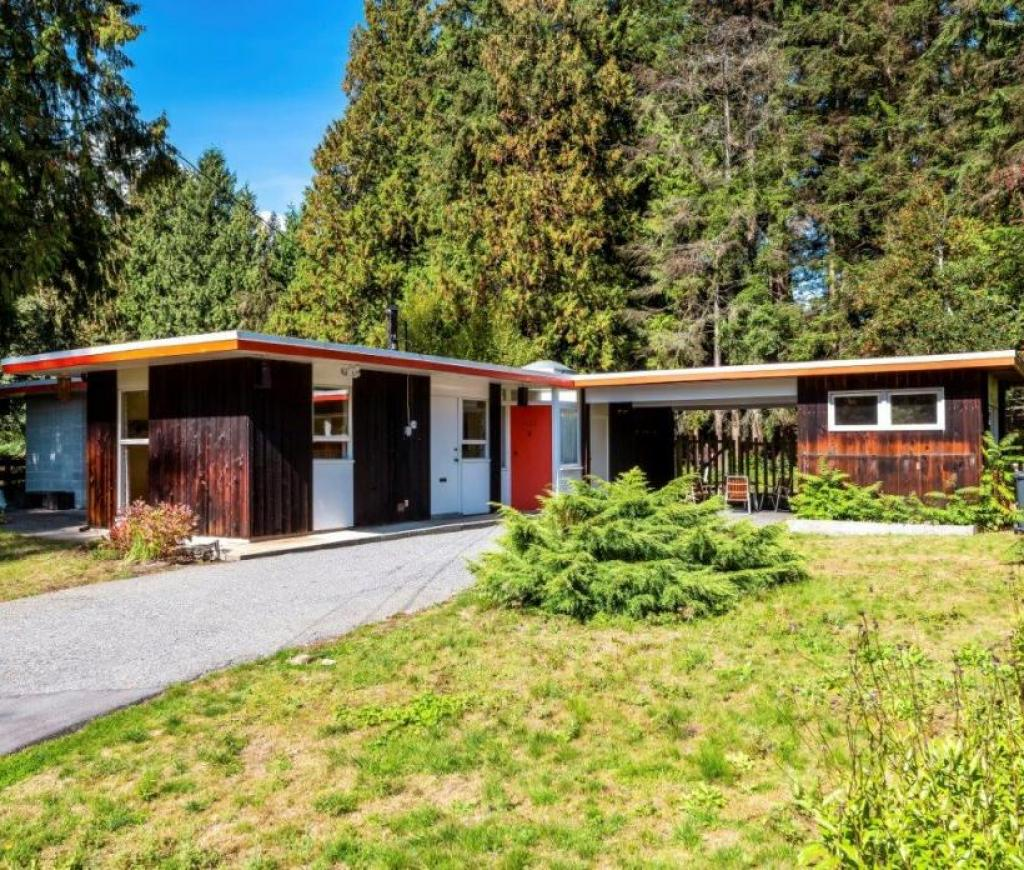 1138 Handsworth Road, Canyon Heights NV, North Vancouver 2