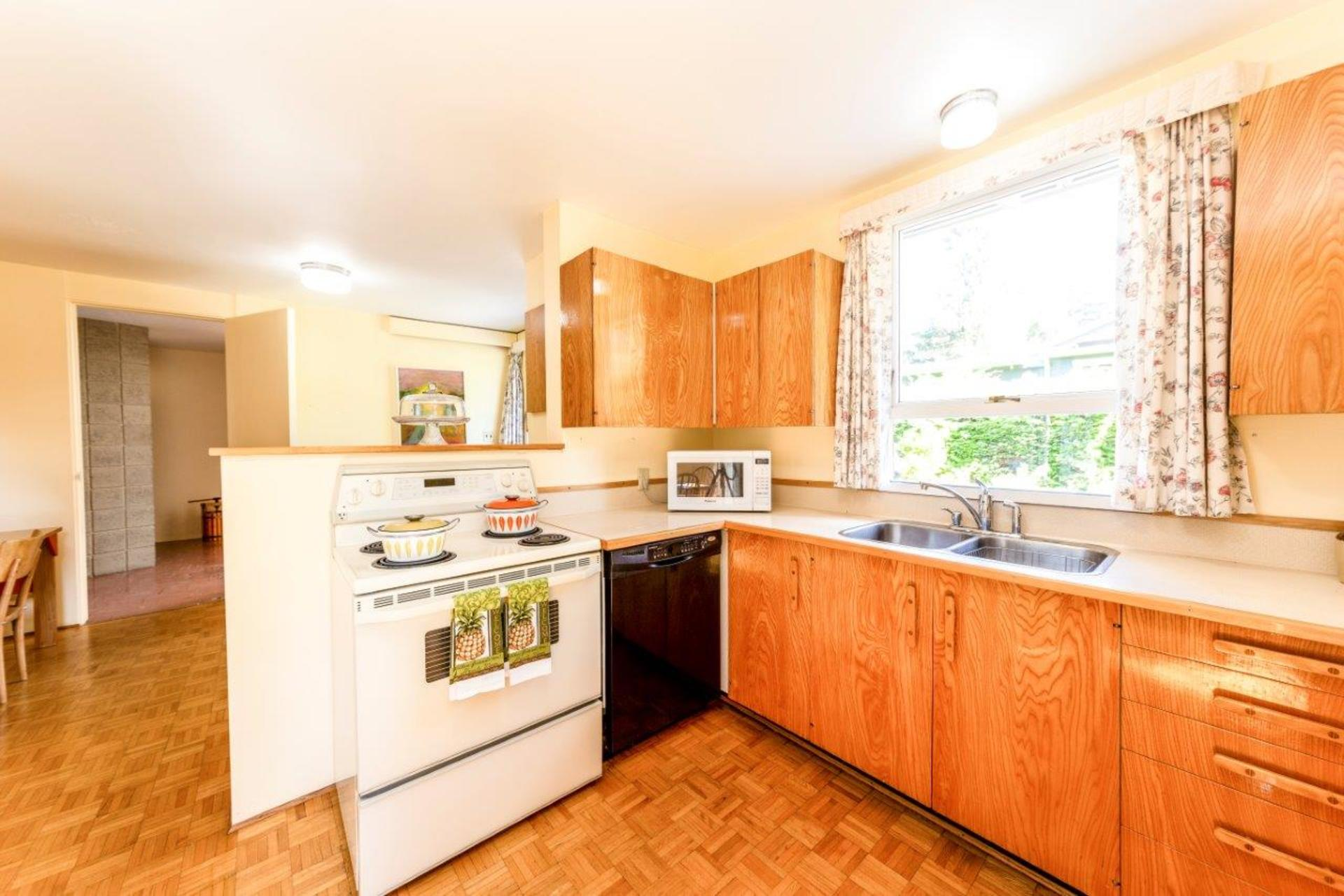 1138handsworth-34 at 1138 Handsworth Road, Canyon Heights NV, North Vancouver