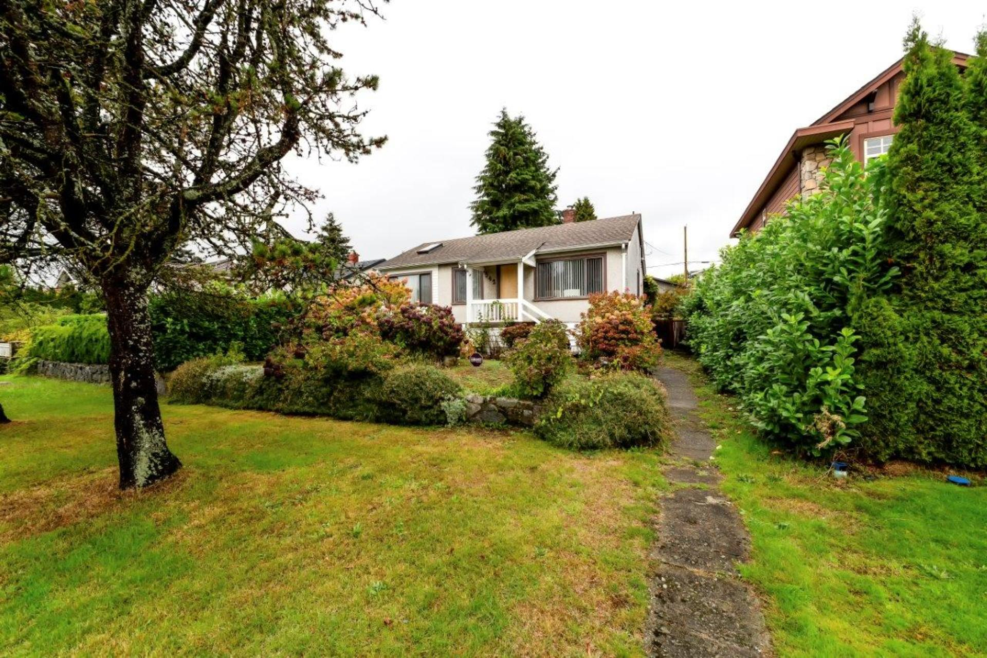 542w4-3 at 542 East 4th Street, Lower Lonsdale, North Vancouver