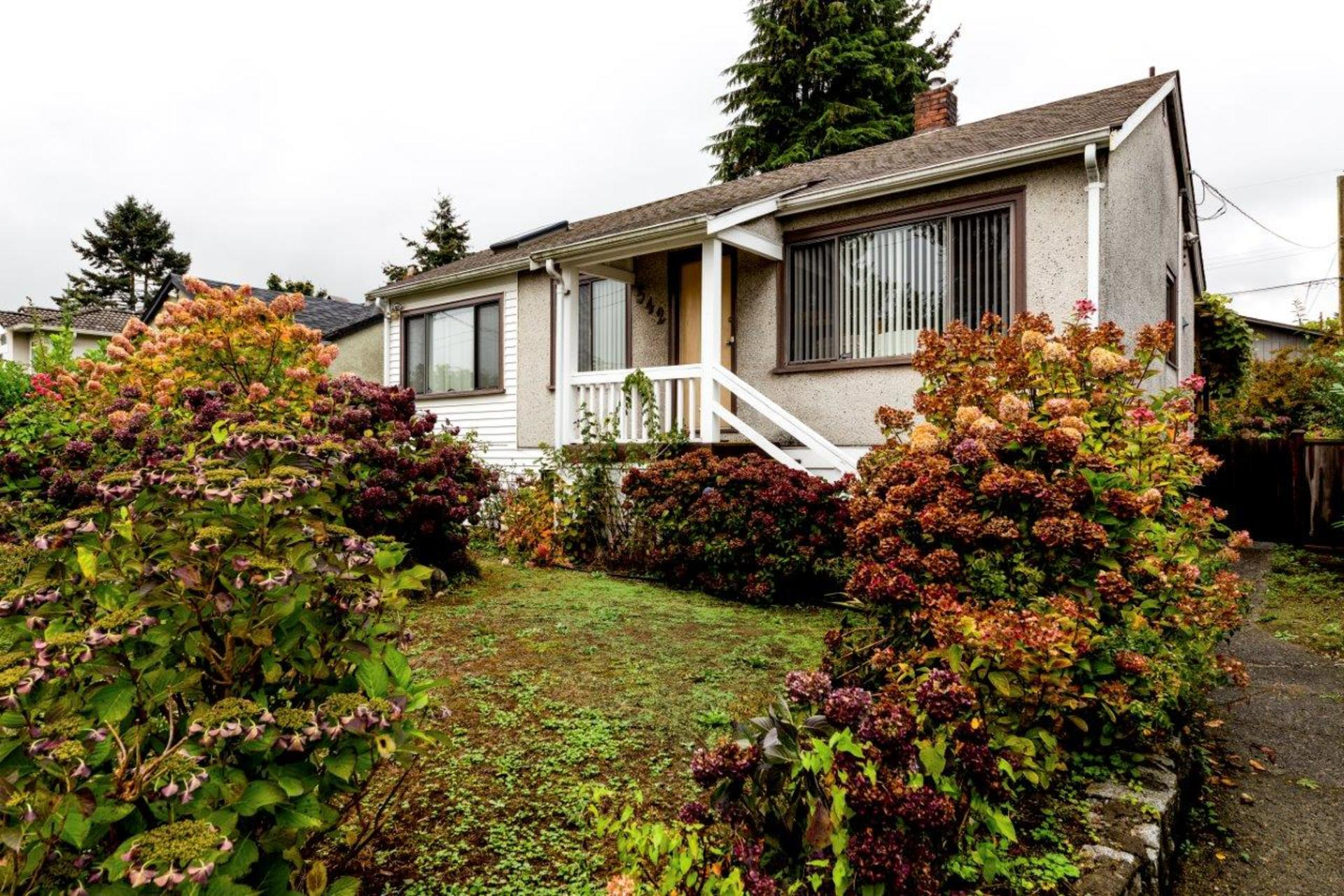 542w4-4 at 542 East 4th Street, Lower Lonsdale, North Vancouver