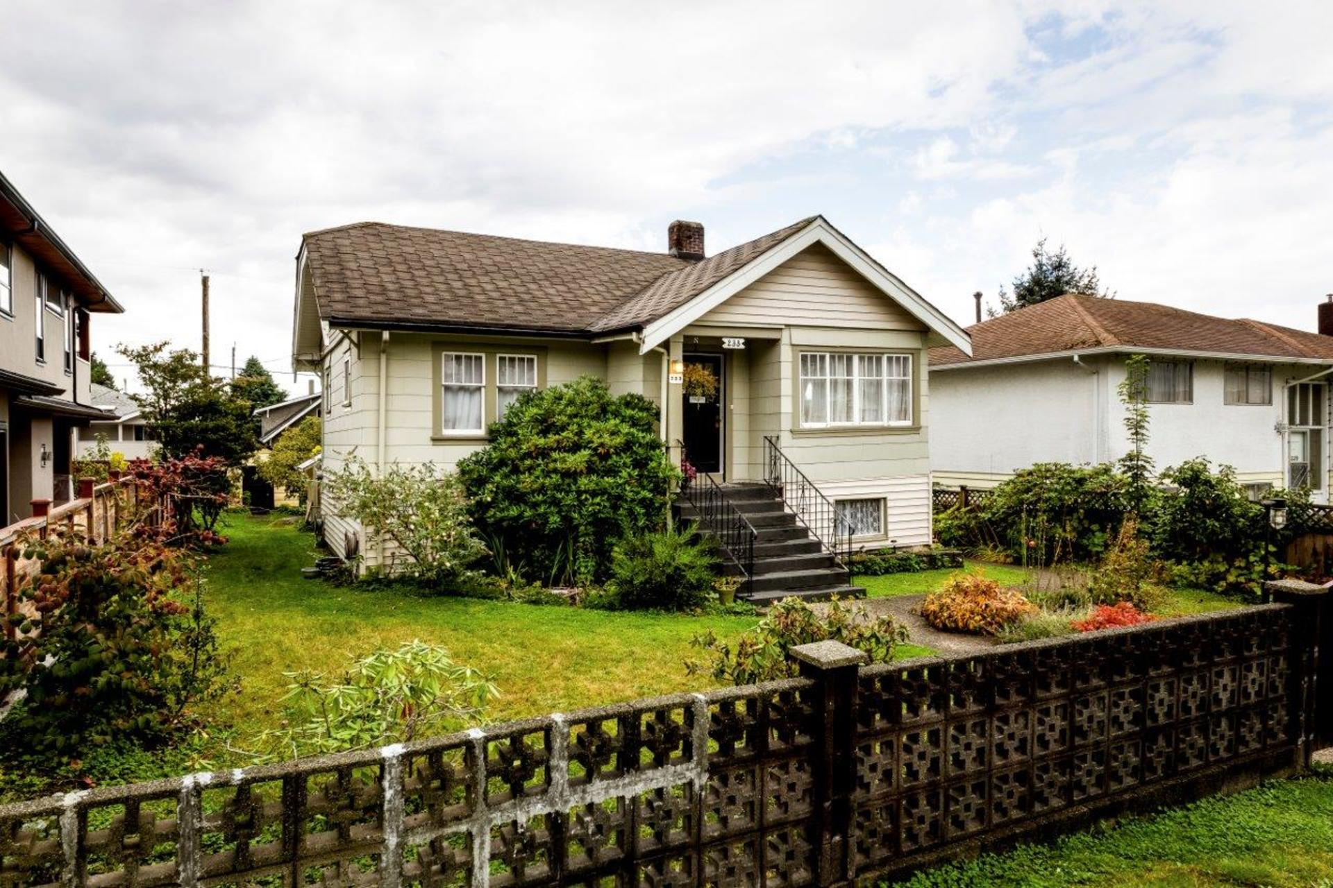 233e22-1 at 233 East 22nd Street, Central Lonsdale, North Vancouver