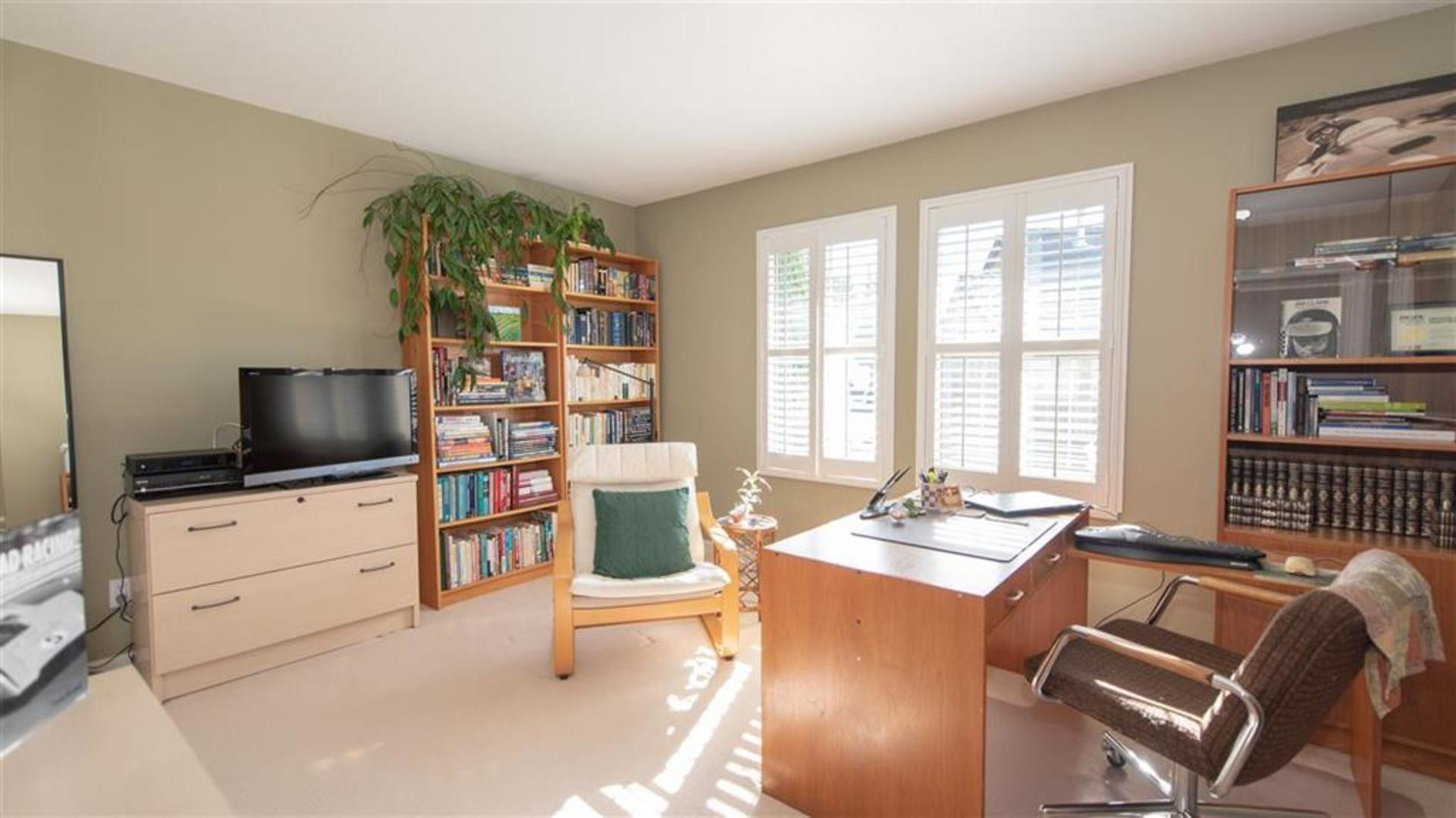 262337785-15 at 57 - 1550 Larkhall Crescent, Northlands, North Vancouver
