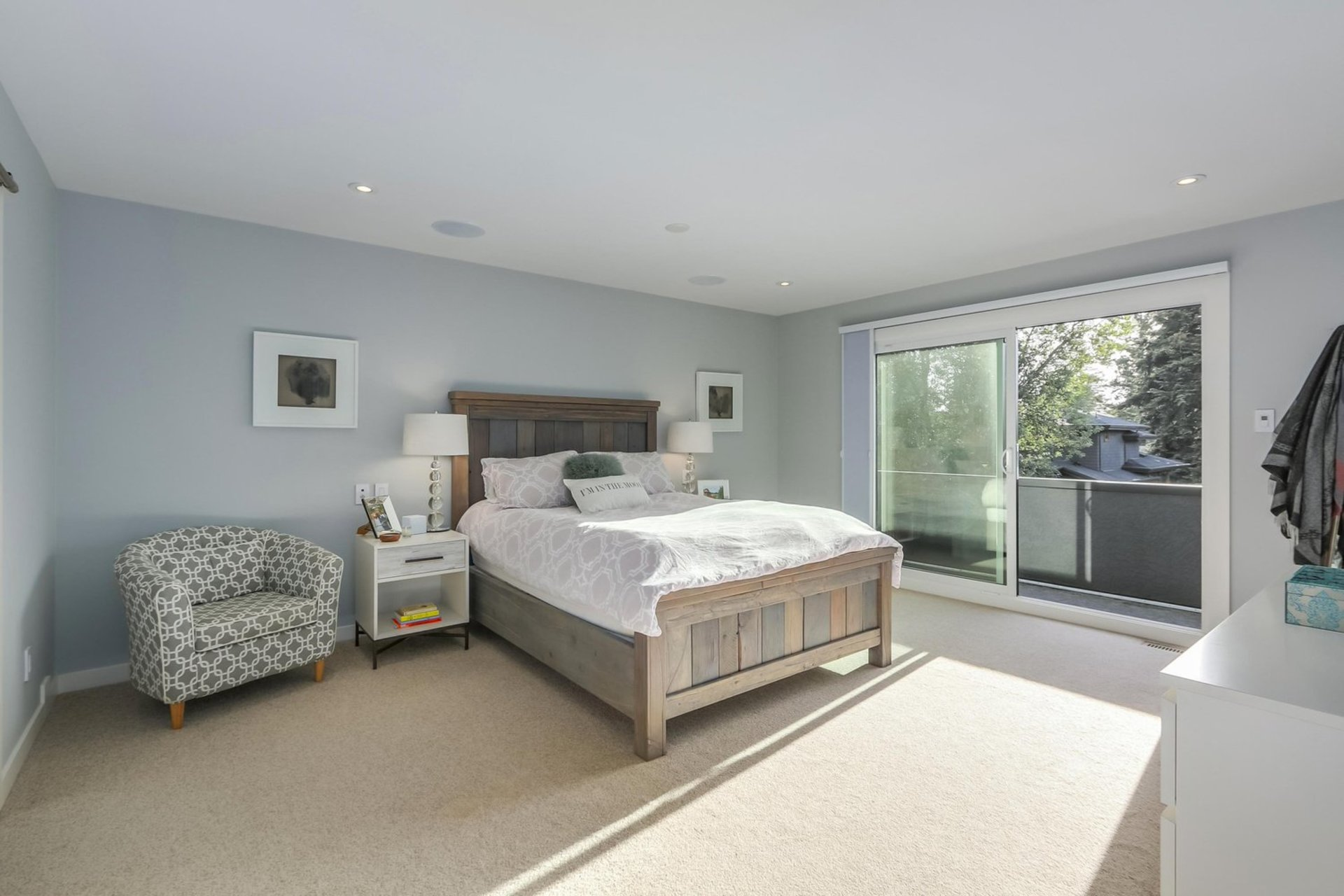 16 at 2880 Woodbine Drive, Edgemont, North Vancouver