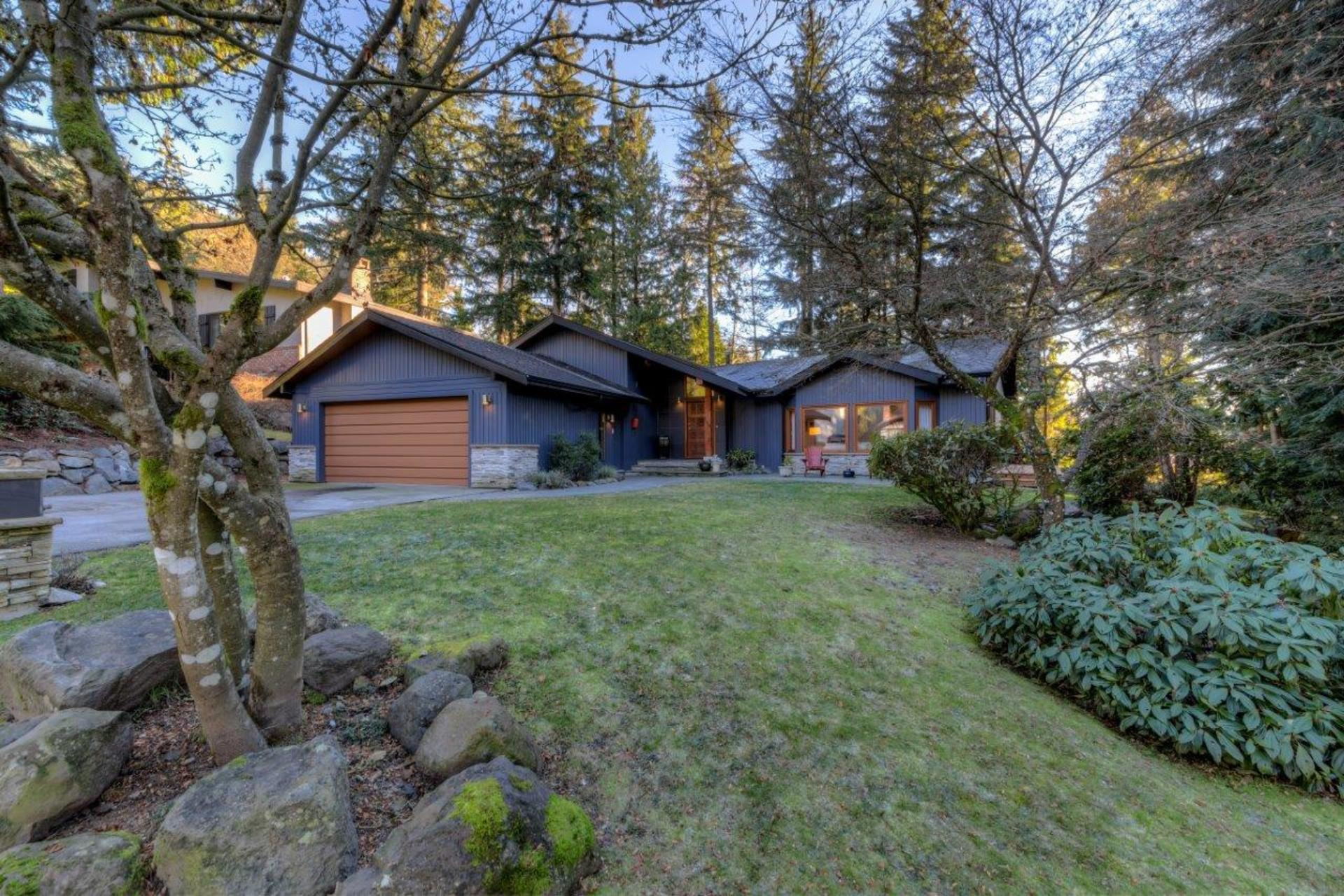 5386cliffridge-2 at 5386 Cliffridge Avenue, Canyon Heights NV, North Vancouver