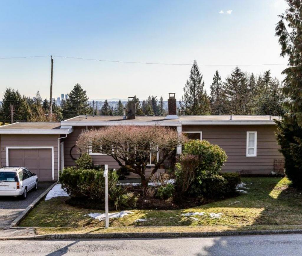 927 Evergreen Place, Edgemont, North Vancouver 2