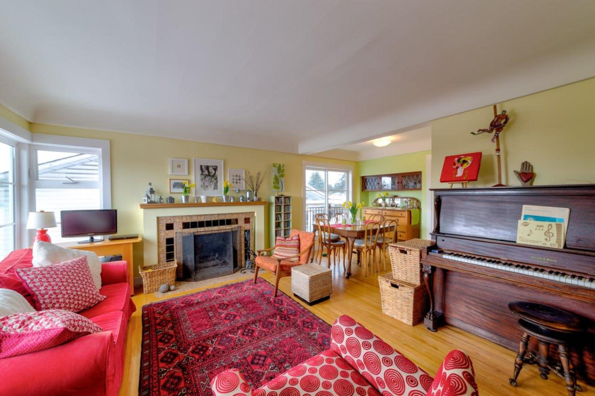 348w25-15 at 348 West 25th Street, Upper Lonsdale, North Vancouver