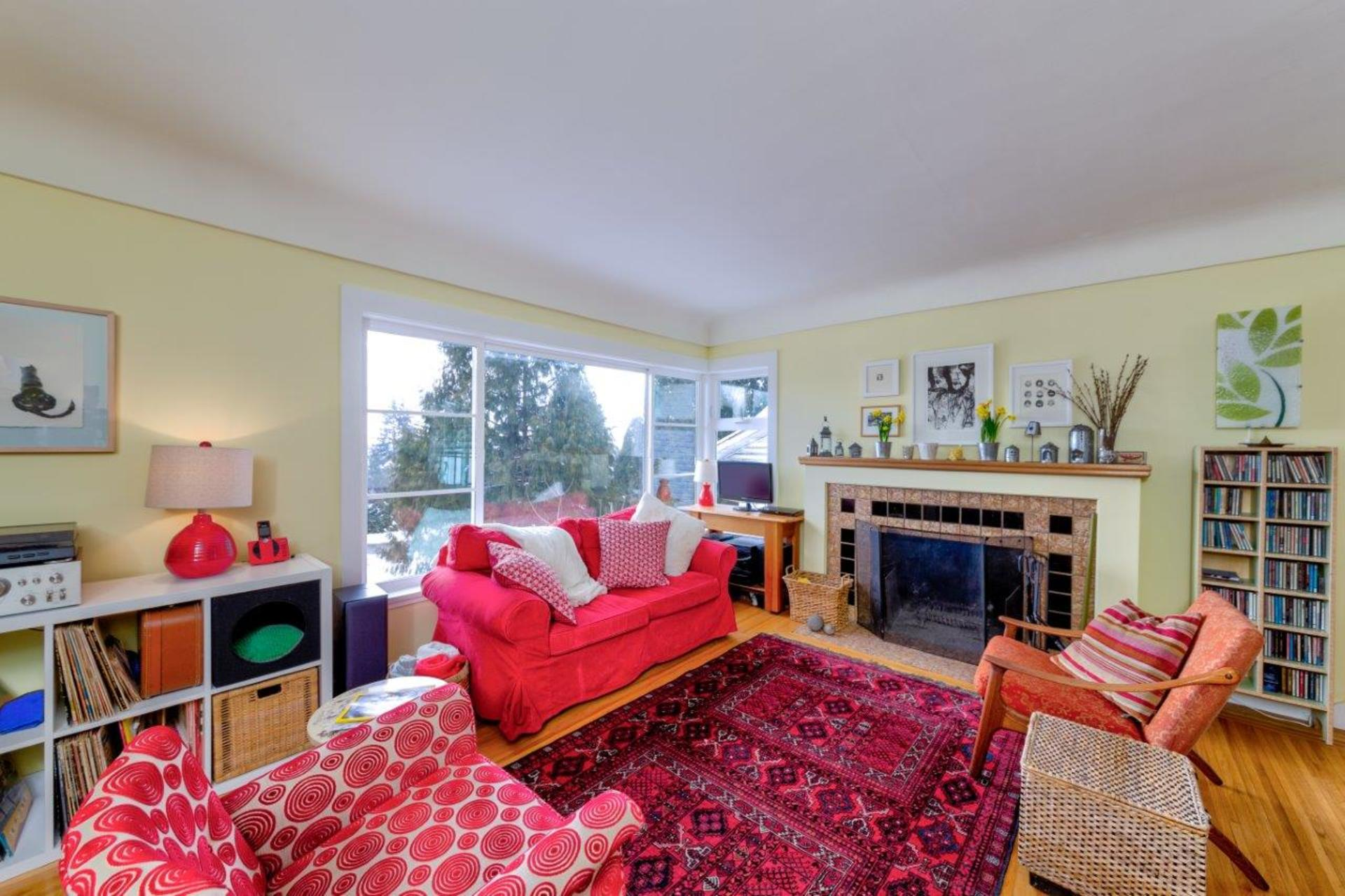 348w25-17 at 348 West 25th Street, Upper Lonsdale, North Vancouver