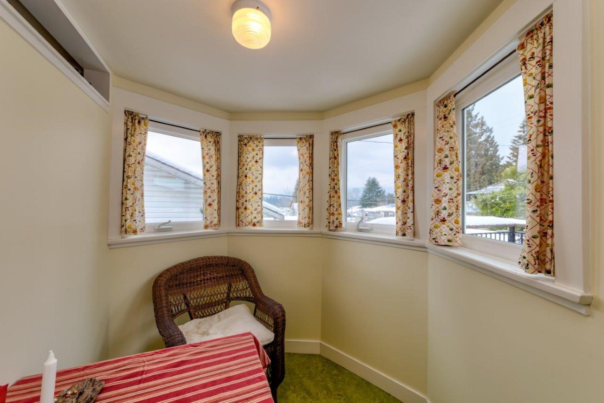 348w25-21 at 348 West 25th Street, Upper Lonsdale, North Vancouver