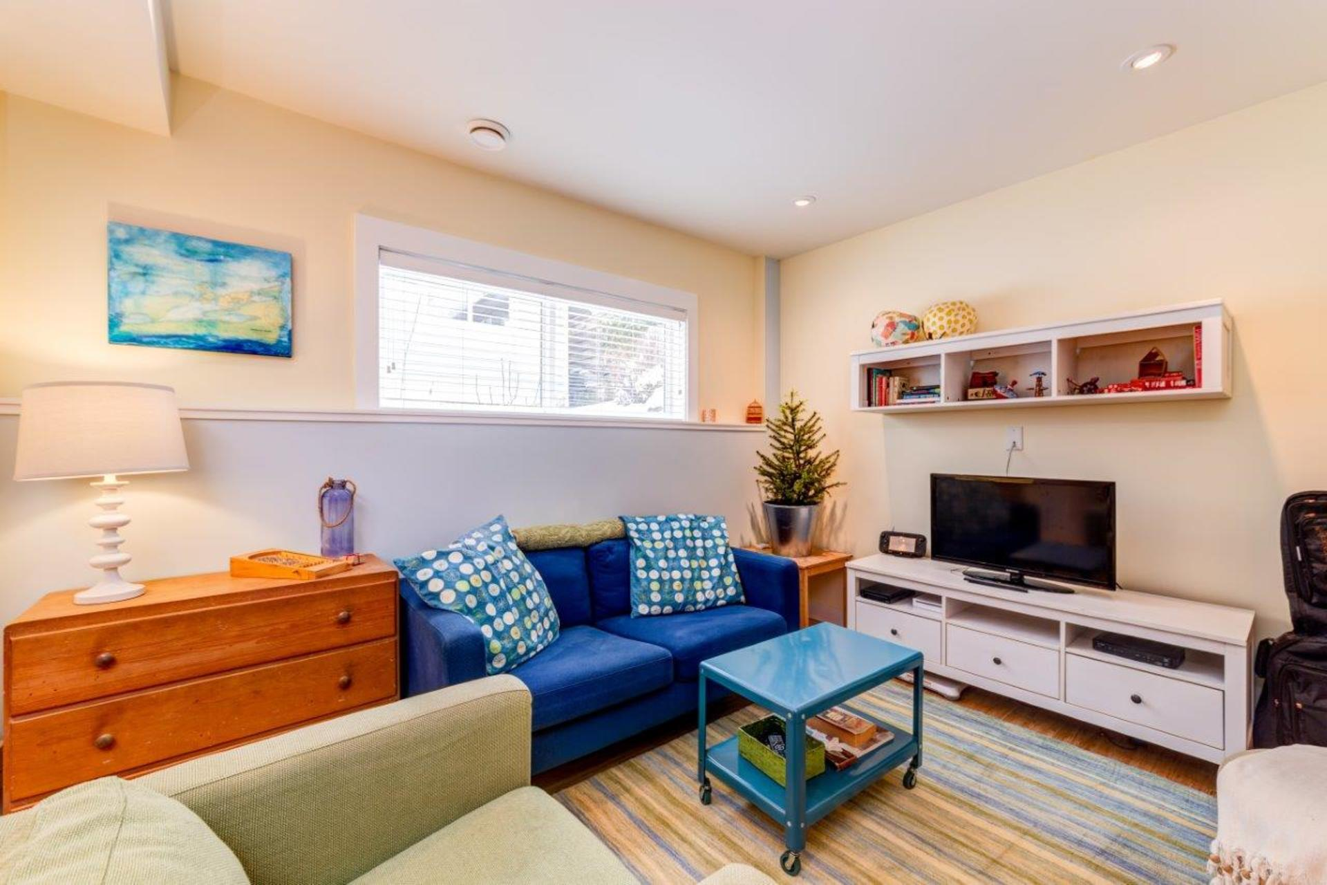 348w25-24 at 348 West 25th Street, Upper Lonsdale, North Vancouver
