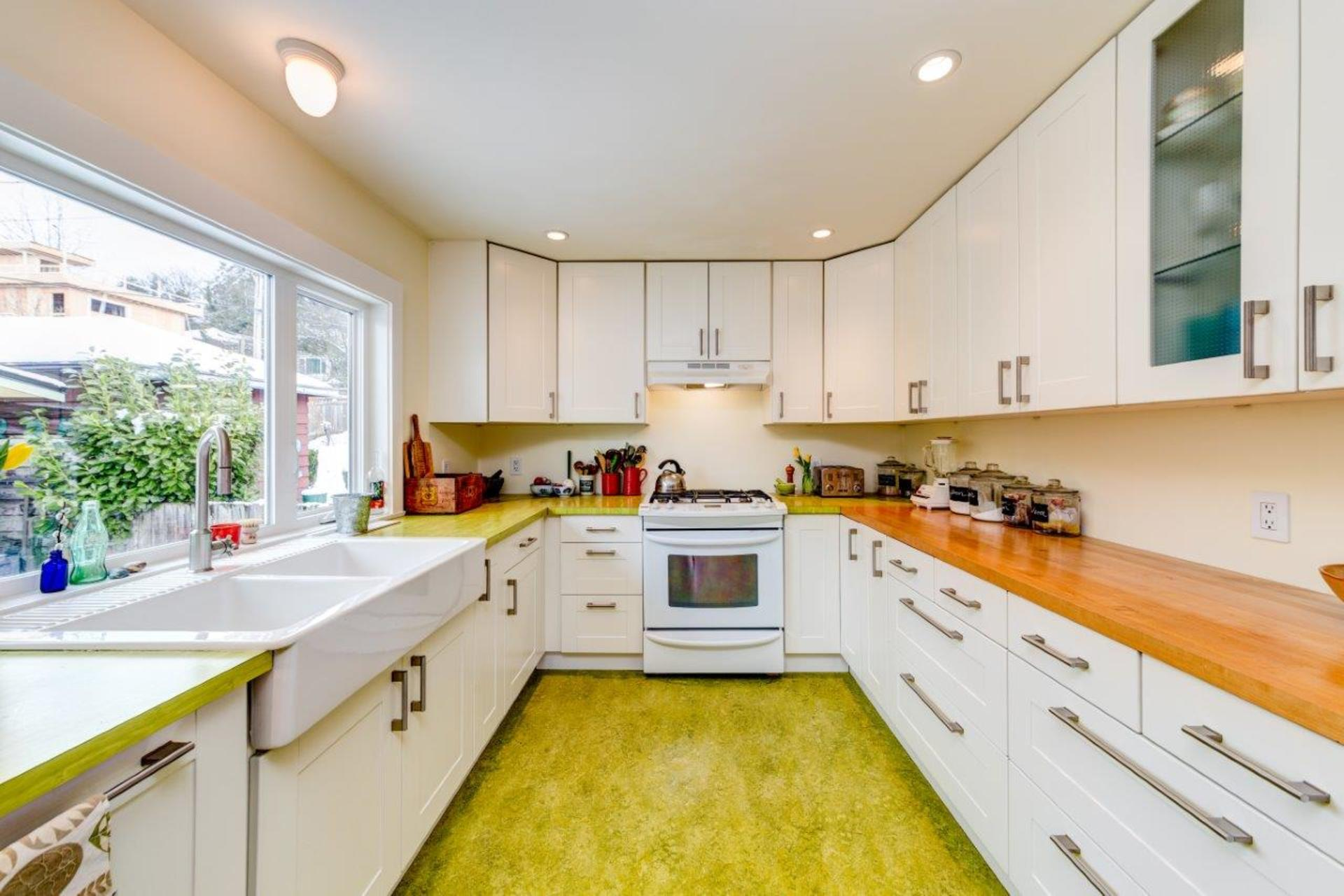 348w25-33 at 348 West 25th Street, Upper Lonsdale, North Vancouver