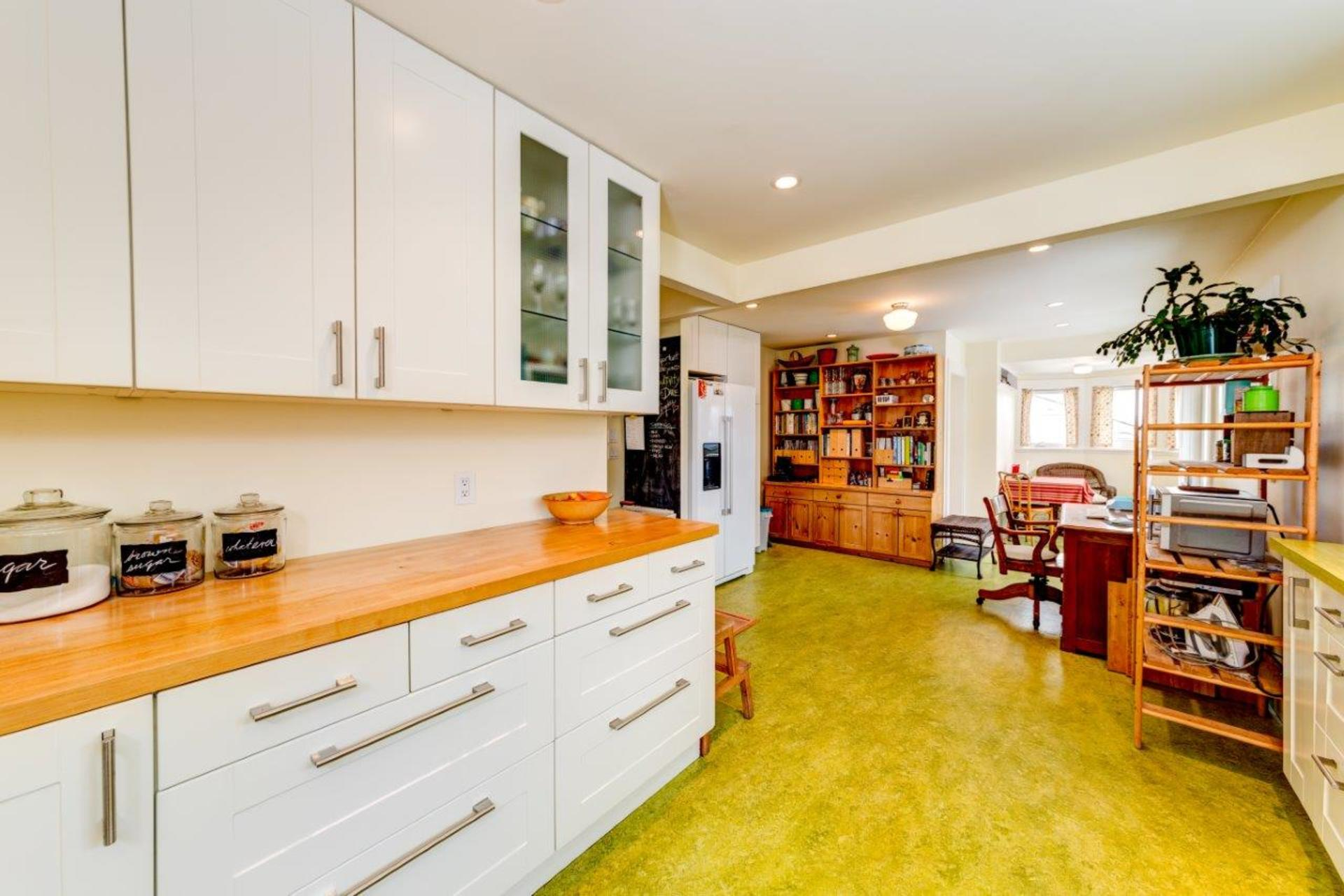 348w25-35 at 348 West 25th Street, Upper Lonsdale, North Vancouver