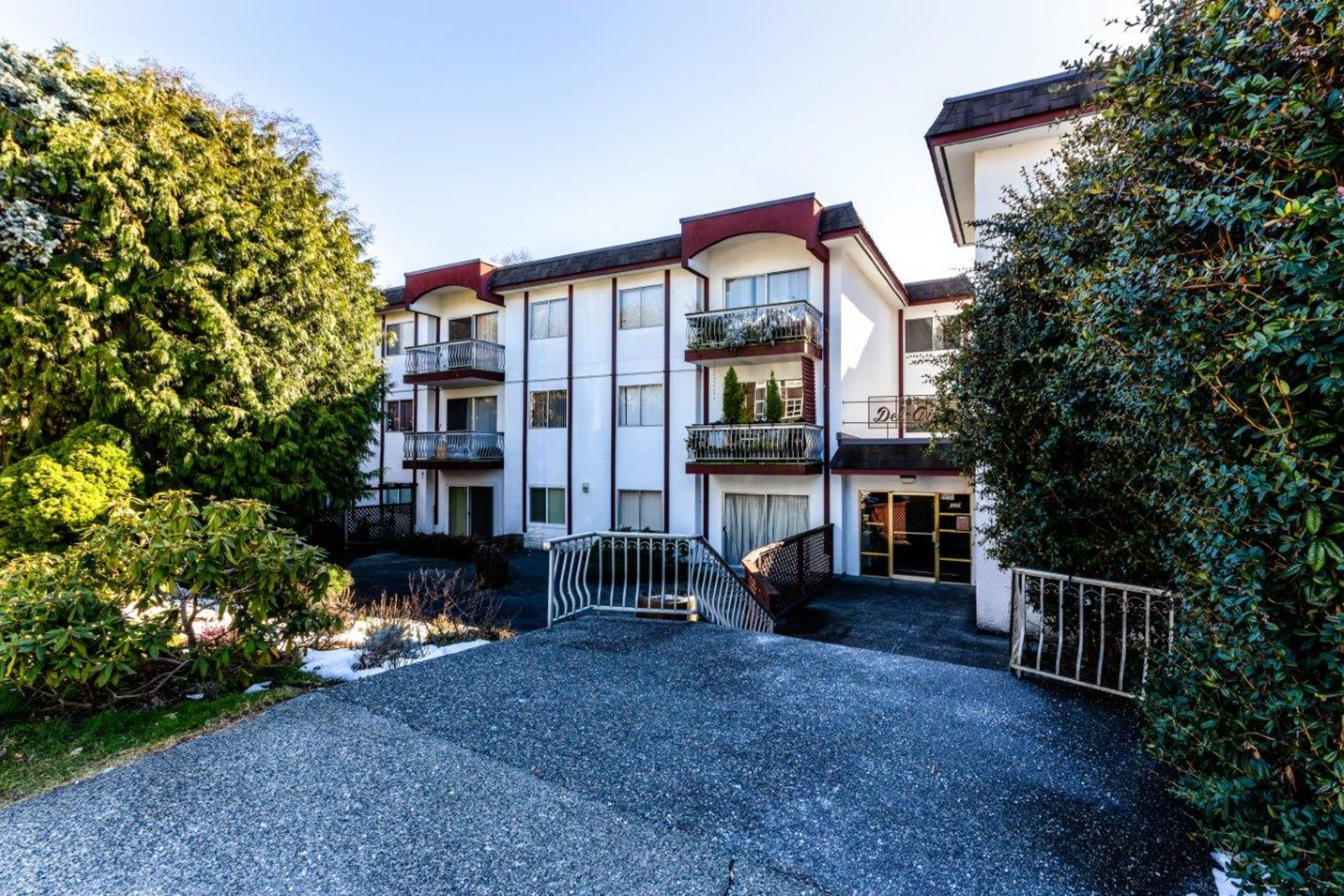 135w21-26 at 105 - 135 West 21st Street, Central Lonsdale, North Vancouver