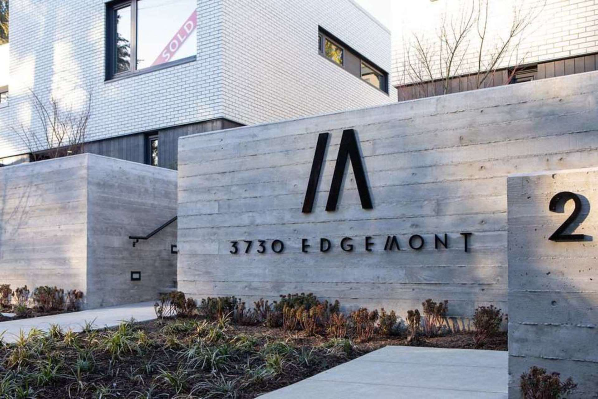 3730-edgemont-boulevard-edgemont-north-vancouver-02 at 5 - 3730 Edgemont Boulevard, Edgemont, North Vancouver
