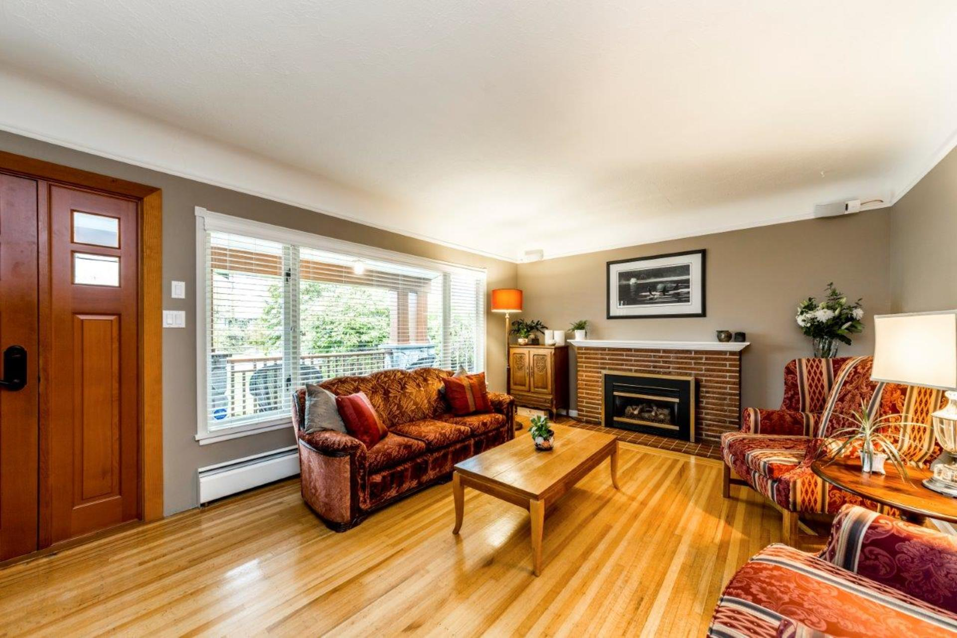 774e9-3 at 774 East 9th Street, Boulevard, North Vancouver