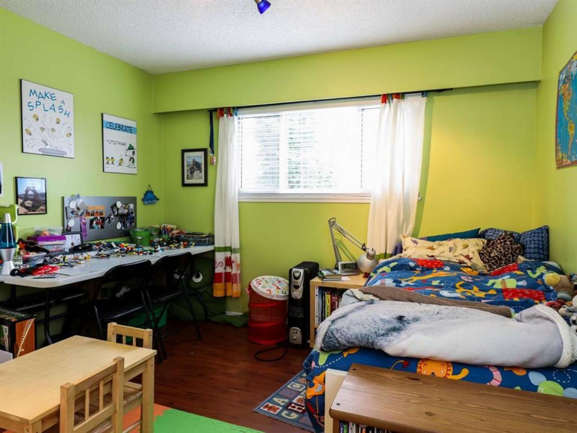 262161026-10 at 514 West 28th Street, Upper Lonsdale, North Vancouver