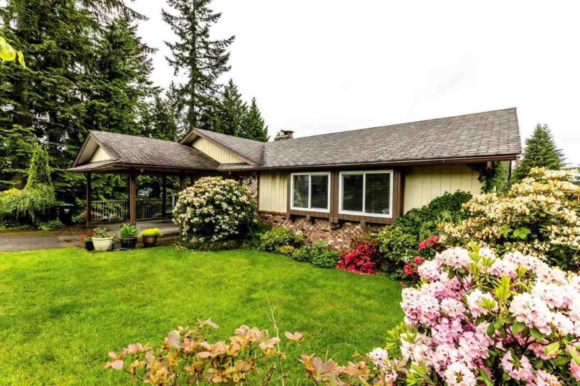 3863-st-pauls-avenue-upper-lonsdale-north-vancouver-02 at 3863 St. Pauls Avenue, Upper Lonsdale, North Vancouver