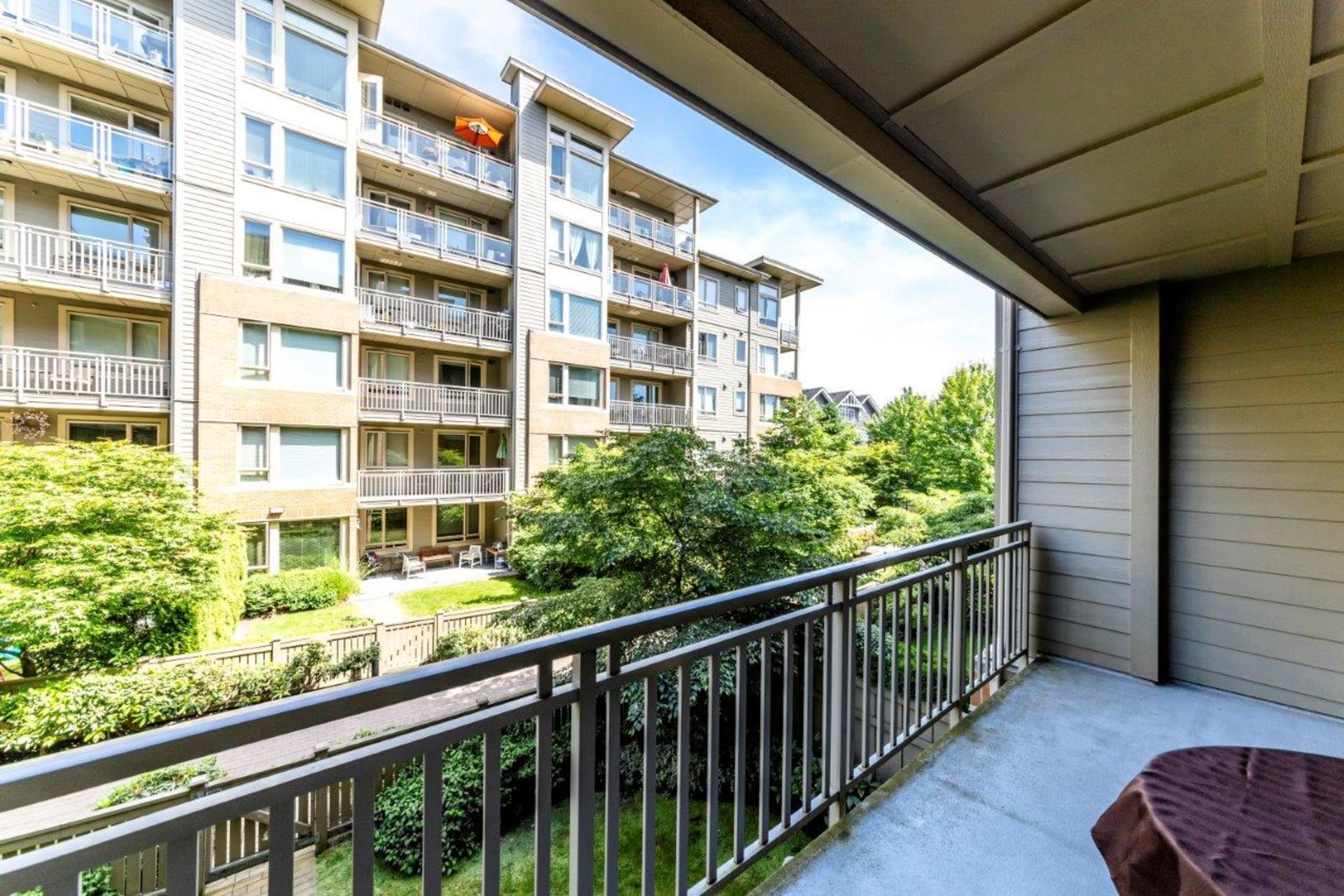 139w22-1 at 205 - 139 West 22nd Street, Central Lonsdale, North Vancouver
