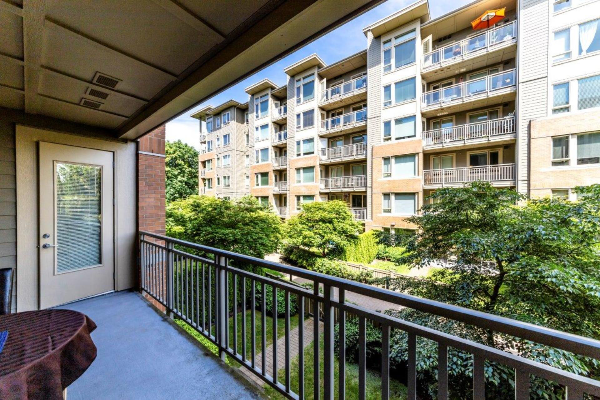 139w22-2 at 205 - 139 West 22nd Street, Central Lonsdale, North Vancouver