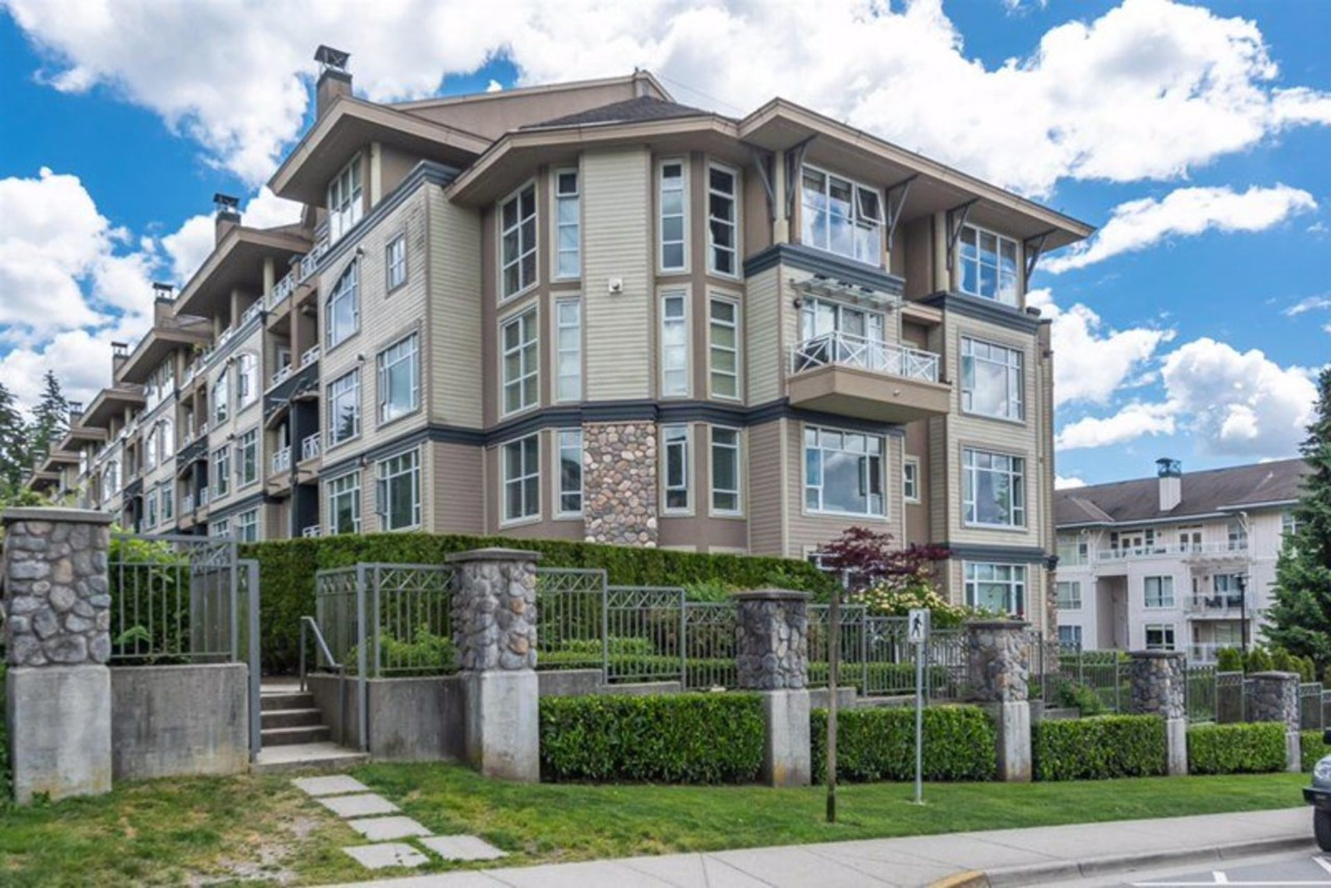 201 - 3600 Windcrest Drive, Roche Point, North Vancouver