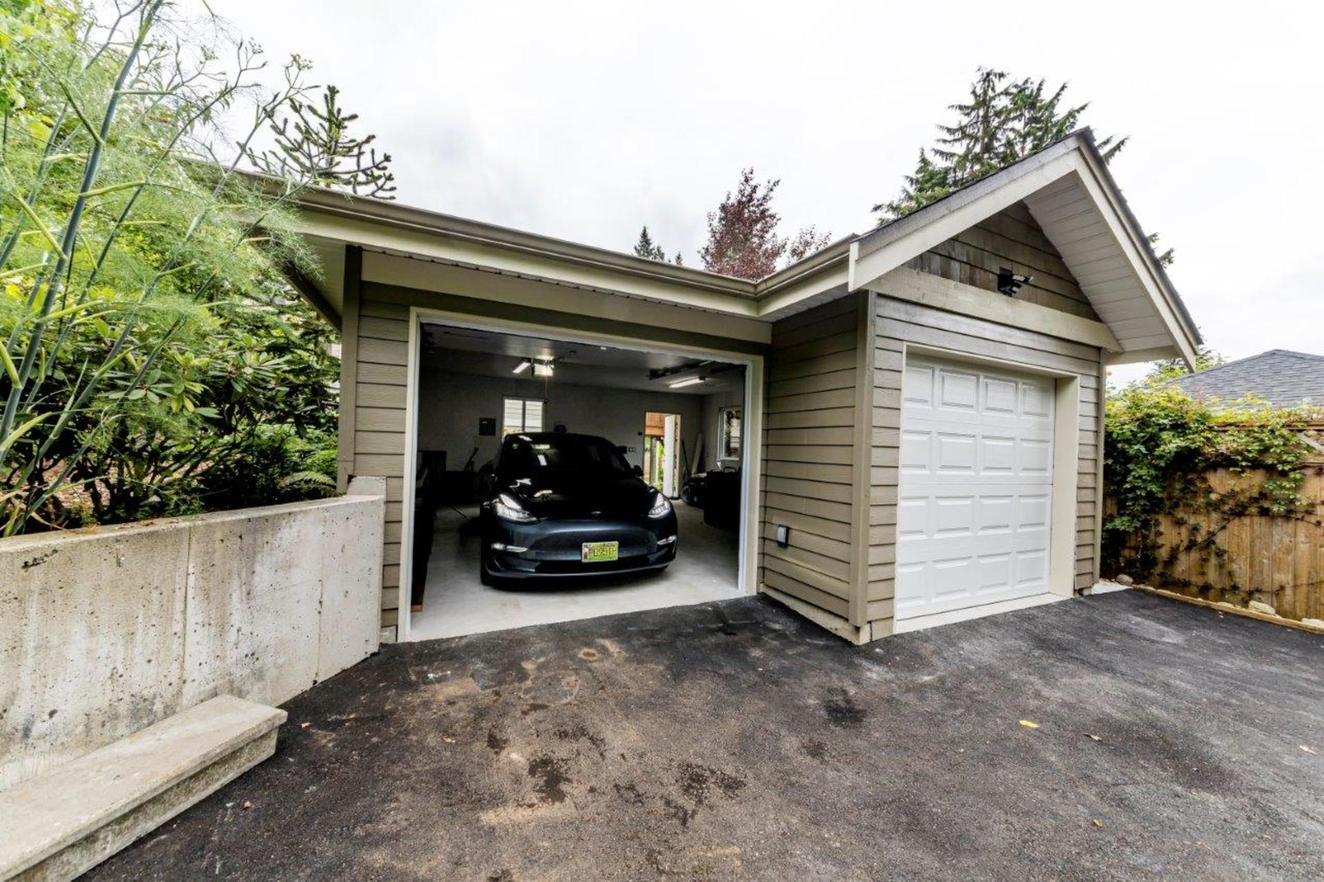 579w22-48 at 579 West 22nd Street, Central Lonsdale, North Vancouver
