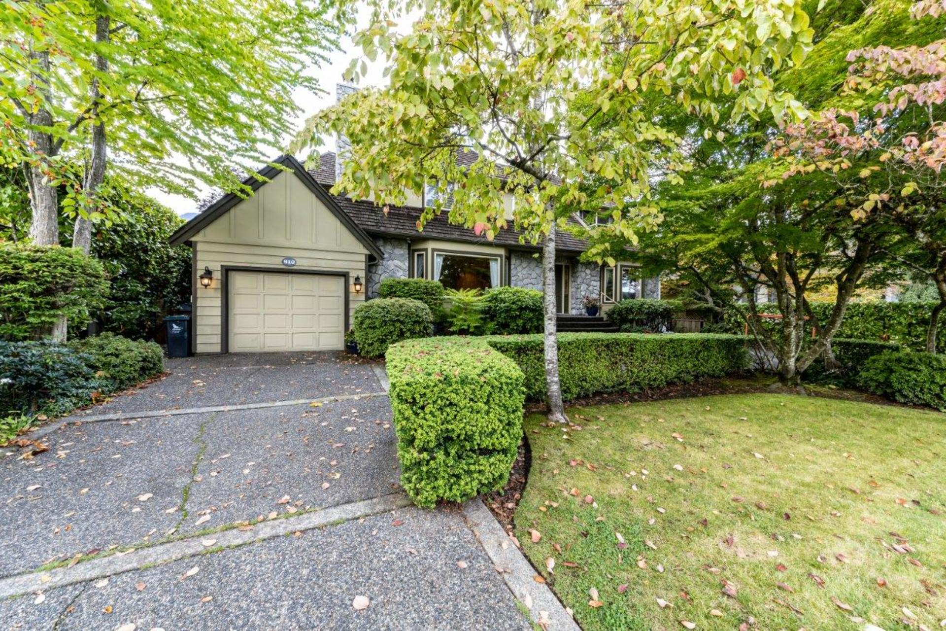 910belmont-2 at 910 Belmont Avenue, Edgemont, North Vancouver