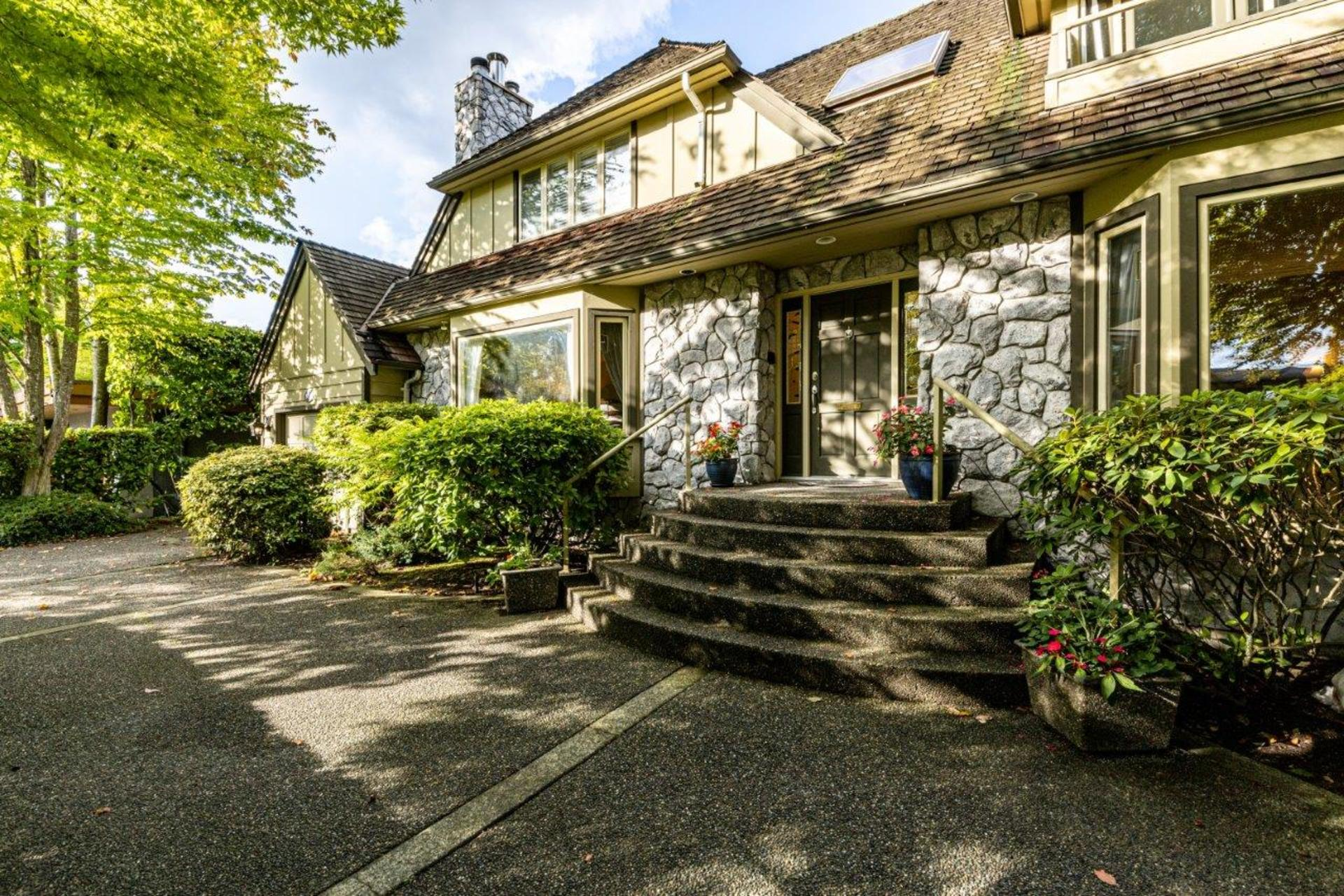 910 Belmont Avenue, Edgemont, North Vancouver