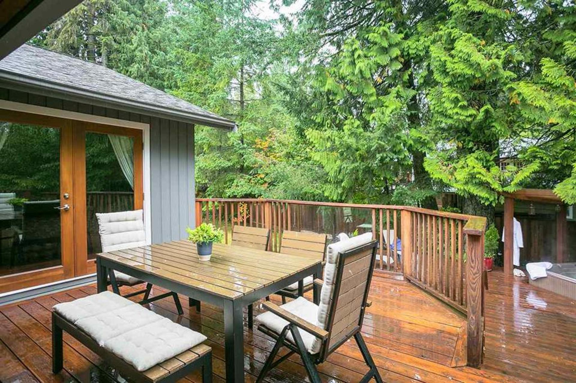 262429712-10 at 4549 Jerome Street, Lynn Valley, North Vancouver