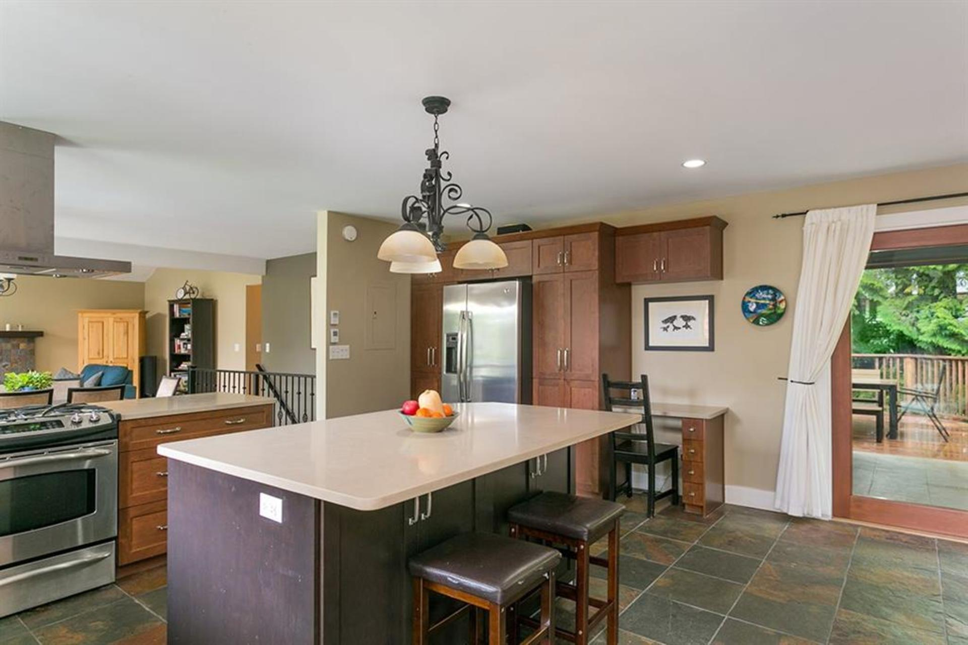262429712-2 at 4549 Jerome Street, Lynn Valley, North Vancouver
