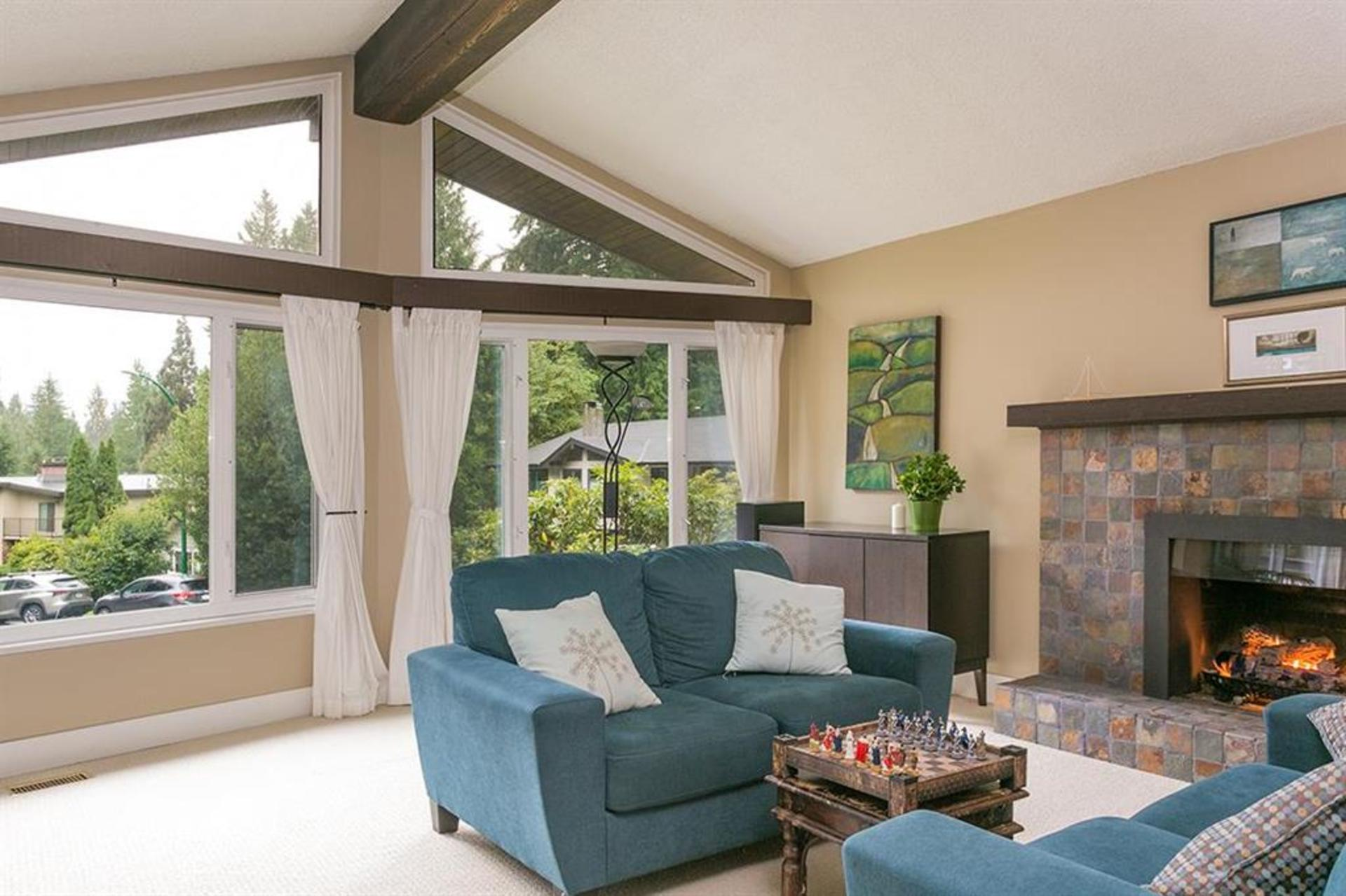 262429712-7 at 4549 Jerome Street, Lynn Valley, North Vancouver