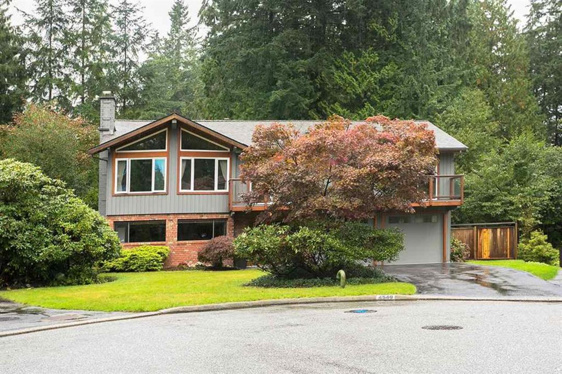 4549 Jerome Street, Lynn Valley, North Vancouver 2