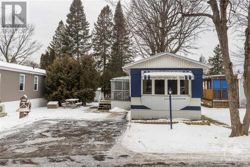3-maplewood-avenue-lakewood-estates-carleton-place-01 at 3 Maplewood Avenue, Lakewood Estates, Carleton Place